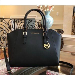 NWT Michael Kors large Ciara leather handbag